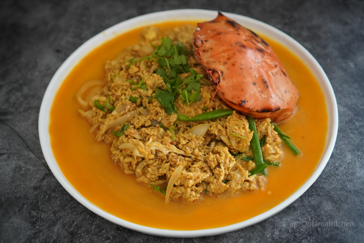 Stir Fried Crab with Curry Powder and Eggs